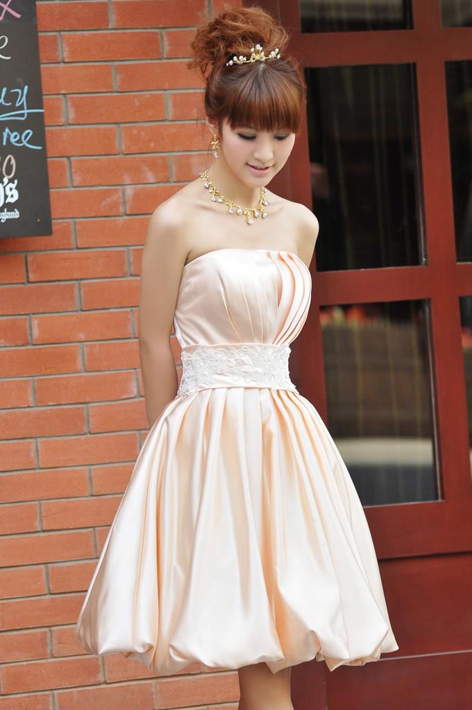 Пышное платье какую прическу сделать на