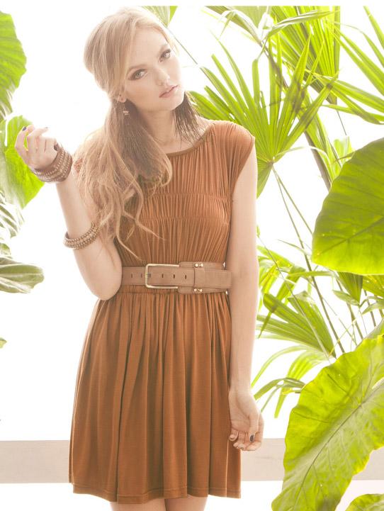 Платье коричневое