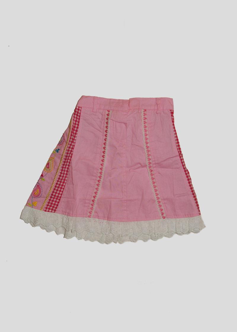 Юбка розовая с белой обороткой и вышивным рисунком (6 лет)