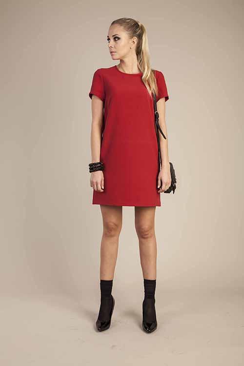 Прямое платье короткое