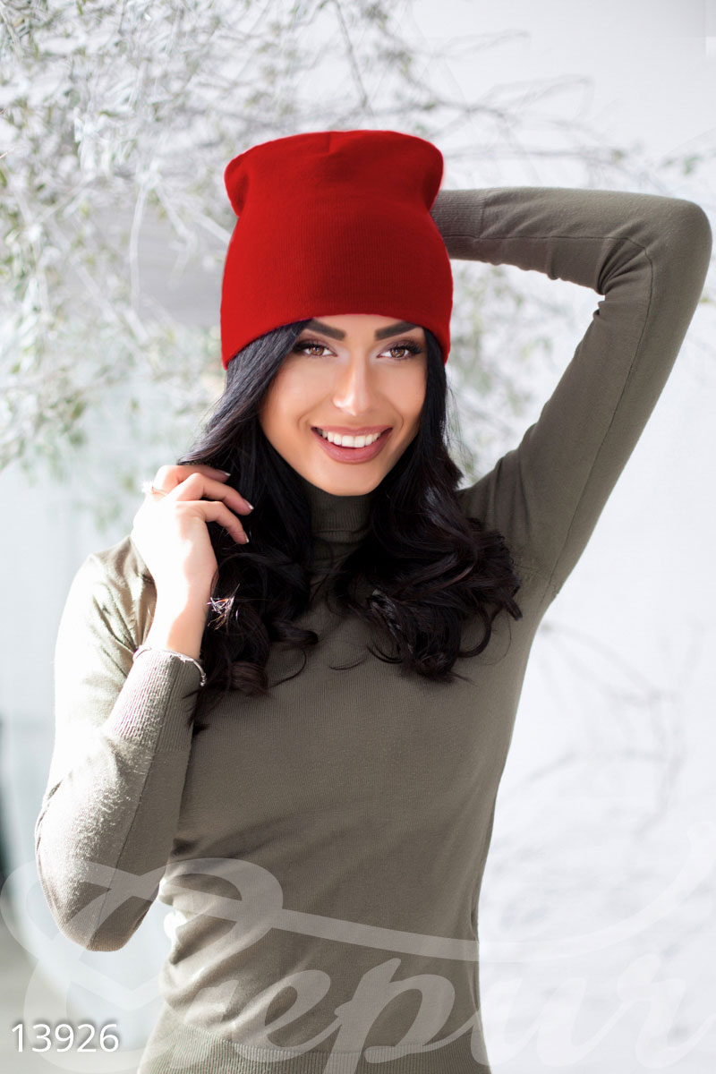 Мягкая стрейчевая шапка