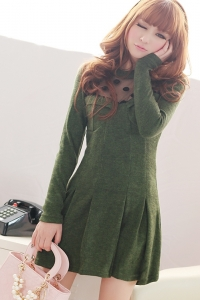 Оригинальное зеленое платье со складками на подоле