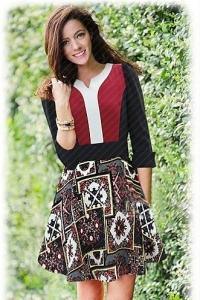 Платье оригинальной расцветки