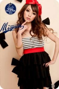 Мини-платье с лифом черно-белую полоску
