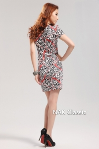 Облегающее шелковое платье с V-образным вырезом горловины