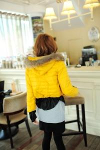 Курточка желтая
