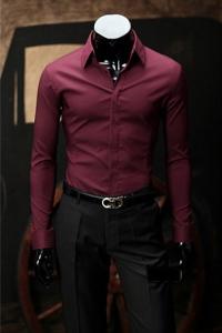 Красная рубашка со скрытыми пуговицами