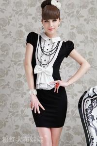 '.Черно-белое платье в стиле ретро .'