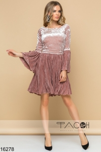 '.Бархатное платье с юбкой плиссе .'