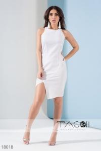 '.Асимметричное платье с вырезом .'
