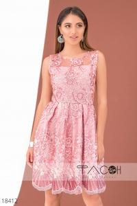 '.Коктейльное платье с вышивкой .'