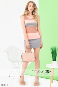 '.Облегающее летнее платье .'