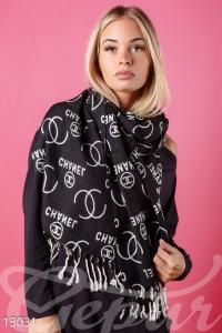 Широкий длинный шарф-палантин с бахромой