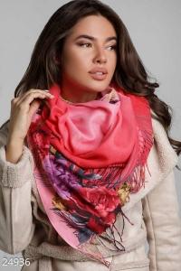 '.Яркий шарф-палантин .'
