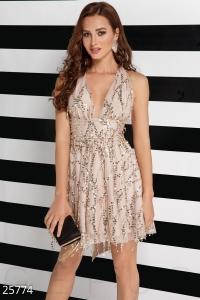 '.Силуэтное вечернее платье .'