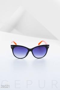 '.Лаконичные солнцезащитные очки .'